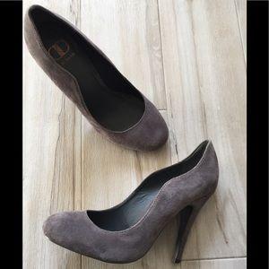 Kelsi Daggar Brooklyn grey suede pumps size 6